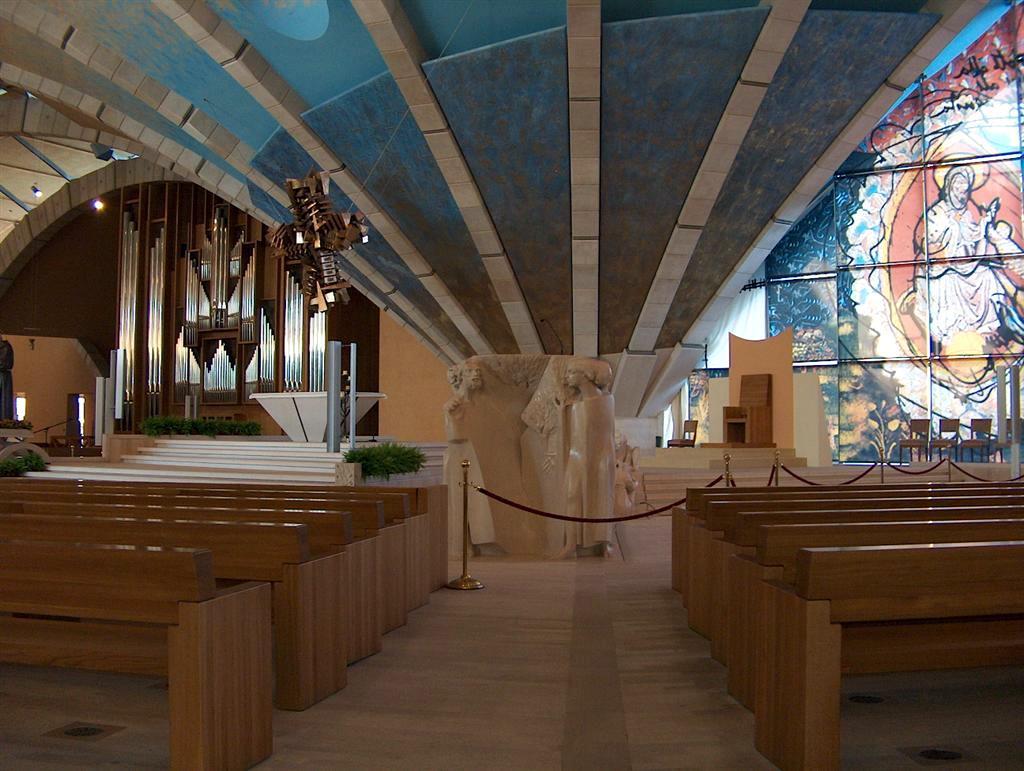 http://padrepioinscotland.org.uk/images/Church%20of%20St.%20Pio/San_Giovanni_Rotondo_2005%20(38)%20(Large).JPG